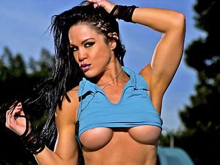 Busty Fitness Model Camgirl Samantha Kelly