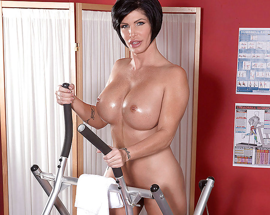 muscular pornstar milf shay fox working out