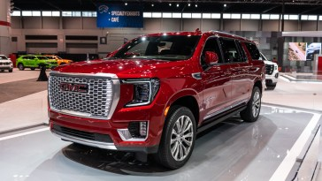 Research 2021                   GMC Yukon pictures, prices and reviews