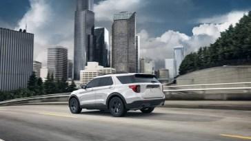 2020 2021 Ford Explorer XLT