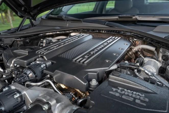 Blackwing V8