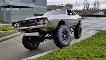 Dodge Challenger 4x4
