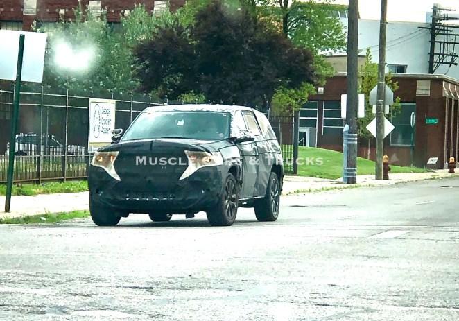 2022 Jeep Grand Cherokee WL Spy Photo