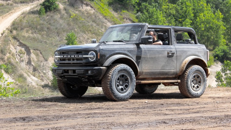 2021 Ford Bronco 2-Door Outer Banks Sasquatch Review First Ridealong