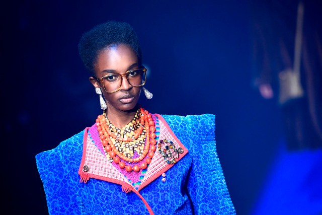 A model presents a creation for fashion house Gucci during the Men and Women's Spring/Summer 2018 fashion shows in Milan, on September 20, 2017.  / AFP PHOTO / Miguel MEDINA        (Photo credit should read MIGUEL MEDINA/AFP/Getty Images)