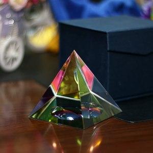 06-Pirámide Energía Cristal iridiscente 10cm