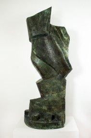 """""""El caminante"""" s.f. : fierro y bronce 167 x 60 x 42 cm"""