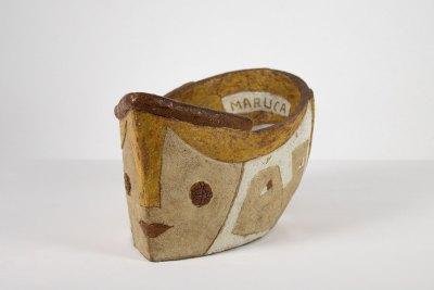 """""""Maruco"""" 1954 : gress policromado, pasta a 1900 grados C. 30 x 19 x 17 cm"""