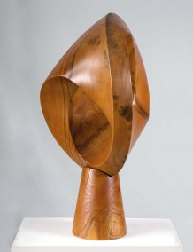 Forma topológica | 2002 Talla sobre madera de sabino 85 x 43 x 43 cm