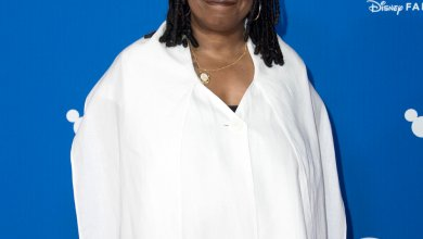 Photo of Whoopi Goldberg Becomes the First LEGOT Recipient Ever
