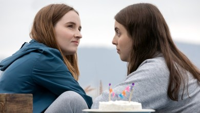 Photo of KAITLYN DEVER & BEANIE FELDSTEIN TO RECEIVE CINEMACON FEMALE STARS OF TOMORROW AWARD