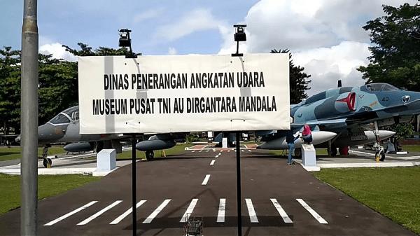 "Wisata Ke Museum Pusat Tni Au ""Dirgantara Mandala"""