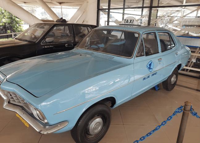 taxi bluebird di museum