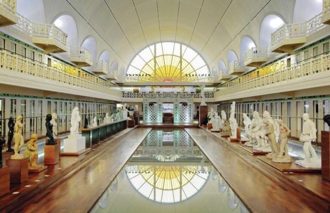 membangun kolam renang di museum