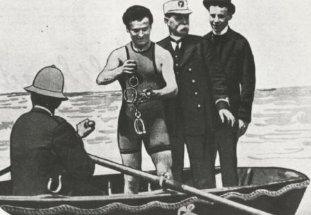 When Houdini Came to Melbourne: a successful escape from the Yarra