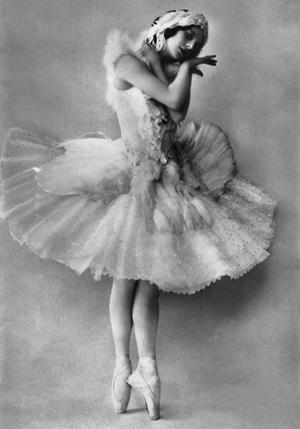 Pavlova in costume for 'The Dying Swan'