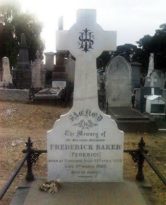 The Princess Theatre Ghost: Federici's grave