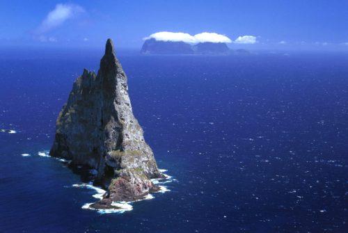 Ball's Pyramid and Lord Howe Island