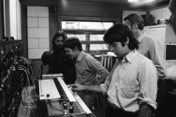 Paul McCartney and George Harrison in Abbey Road studios