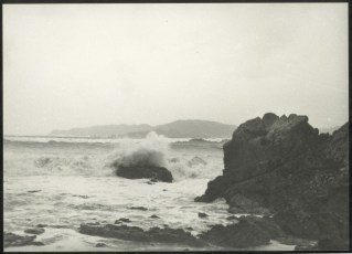 Seas breaking on eastern shore of Wellington Harbour after wreck of TEV Wahine.