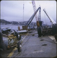 Salvage work on the wreck of the TEV Wahine