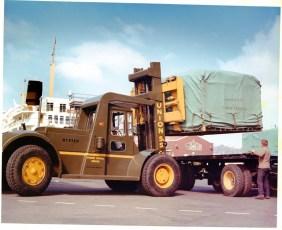 Cargo loader