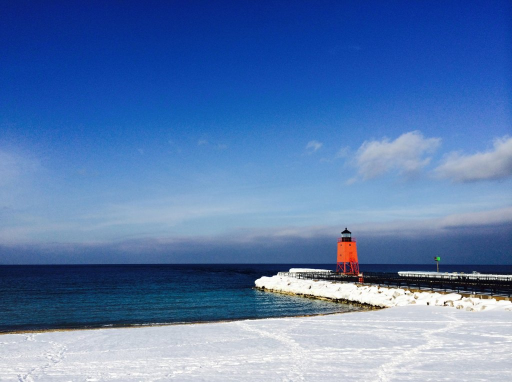 charlevoix-mushroom-houses-winter-beach