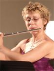 VERONIQUE ALBINI, flûte traversière et piccolo