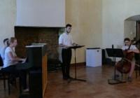Le chant à l'Académie Internationale, des projets… ! Le chant doit s'ouvrir à la pratique collective, notre objectif, la création d'un chœur.