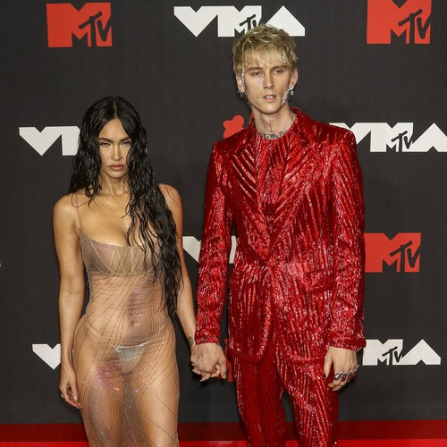 Machine Gun Kelly and Conor McGregor involved in altercation on MTV VMAs red carpet