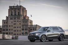Mercedes-Benz GLE 400 d 4MATIC, AMG-Line, selenitgrau, designo Leder Nappa, magmagrau/schwarz;Kraftstoffverbrauch kombiniert: 7,5-7,0 l/100 km; CO2-Emissionen kombiniert: 199-184 g/km* Mercedes-Benz GLE 400 d 4MATIC, AMG-Line, selenite grey, designo nappa leather magma grey/black;combined fuel consumption: 7.5–7.0 l/100 km; combined CO2 emissions: 199–184 g/km*