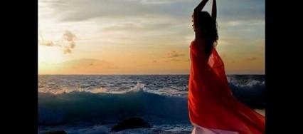 Mujer-Bailando-426×188