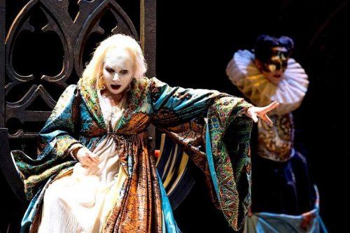Mariella Devia -Roberto Devereux-di G. Donizetti
