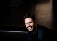 """Intervista a Raffaele Pe -""""…adoro l'Italia e il suo pubblico""""."""