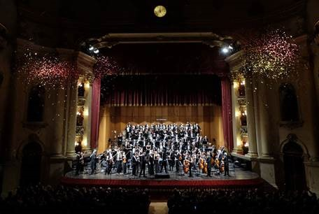 Coro e Orchestra al Concerto di Capodanno 2019 al teatro Filarmonico di Verona- Foto-Ennevi
