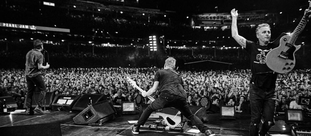 Concierto multitudinario (como siempre) de Pearl Jam (PJ)