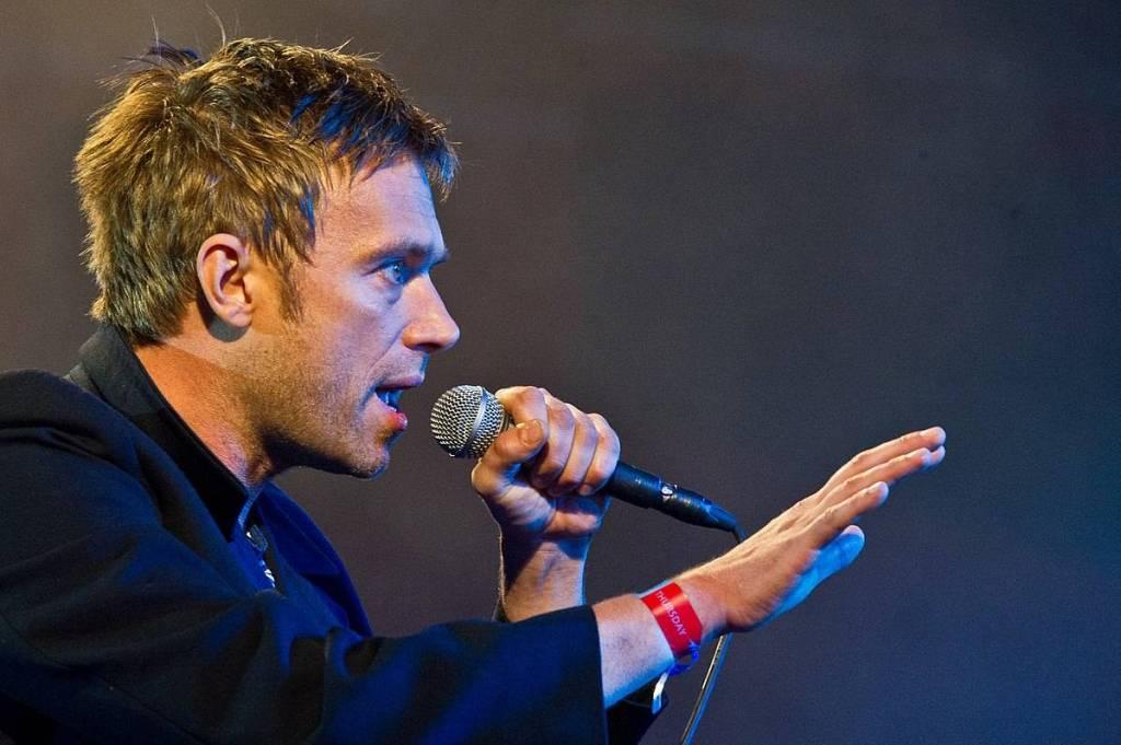 Damon Albarn cantando. Foto: Bill Ebbesen