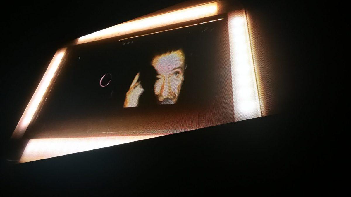 Bono se desmaquilla