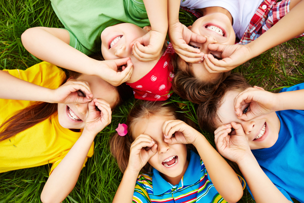 FRIENDSHIPS NETWORKS THAT CAN INFLUENCE STUDENT