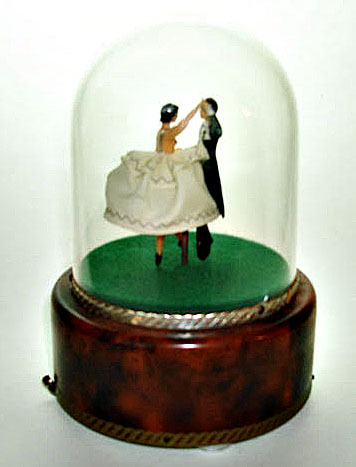 Vintage Reuge Dancing Couple In Yelllow Or Pink Under Dome