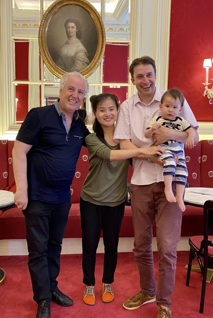 Maestro Manfred Honeck, with Noah Bendix-Balgley, Shanshan Yao, and their son