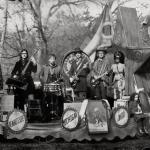The Raconteurs – Consolers Of The Lonely
