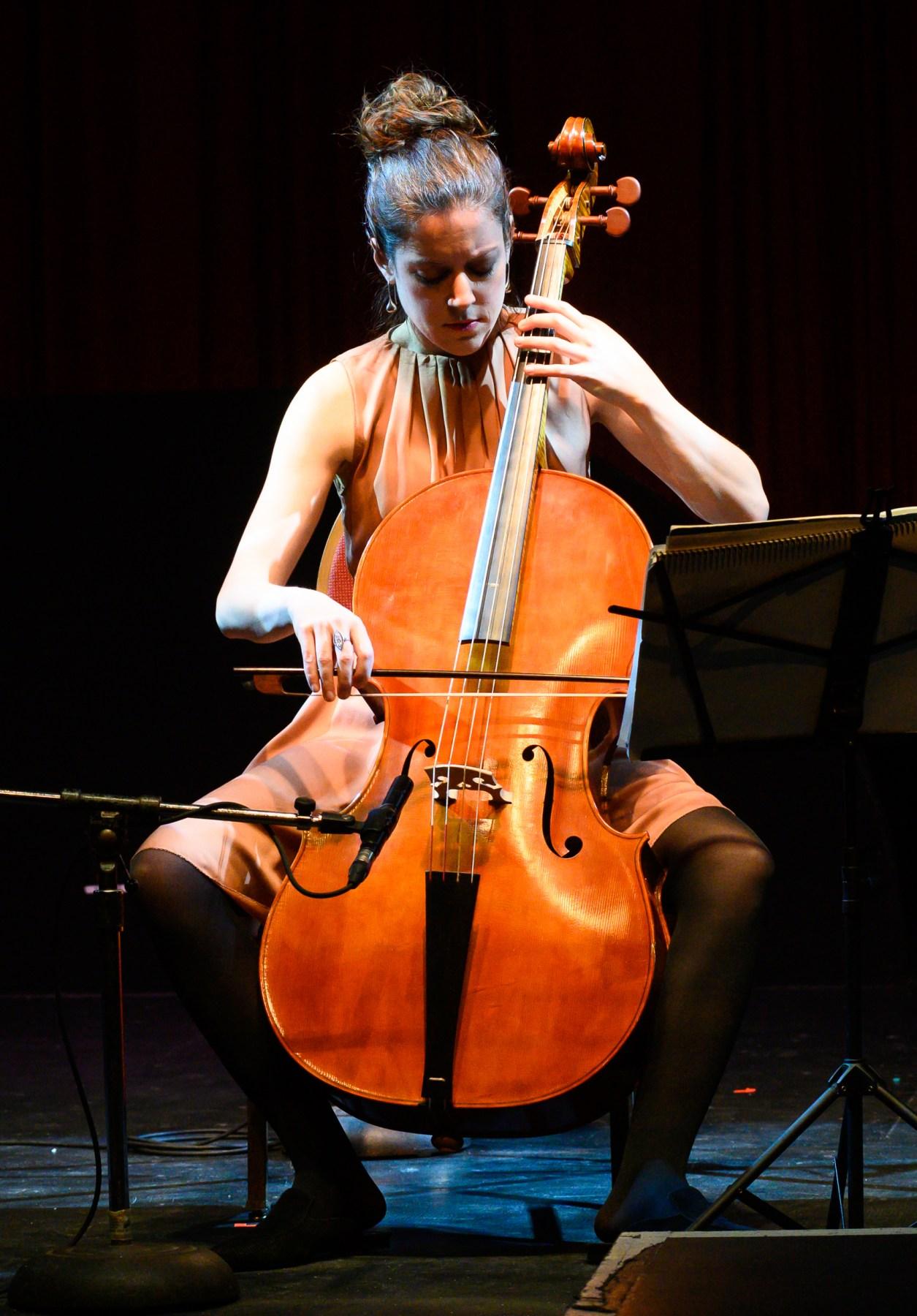 Elinor Frey, baroque cello, AMOT 2019