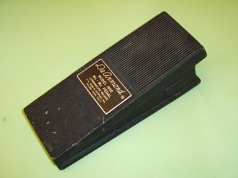 Model 1800 Wa-Wa pedal combination volume, requires integral 9V battery driving a printed circuit-board.