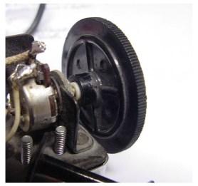 Edgewise pot knob for Model 220