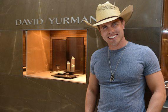 Dustin Lynch co-hosts David Yurman preview