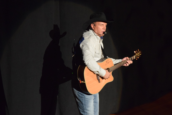 Garth Brooks. Photo: Moments By Moser Photography