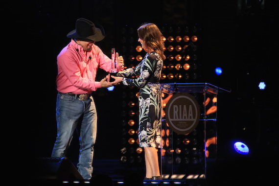 Garth Brooks and RIAA's Liz Kennedy. Photo: Moments By Moser Photography