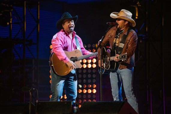 Garth Brooks and Jason Aldean. Photo: 1220 Entertainment
