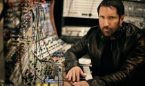 trent-reznor-in-the-studi-007